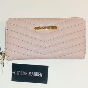 💖Steve Madden Chevron Quilted Wallet